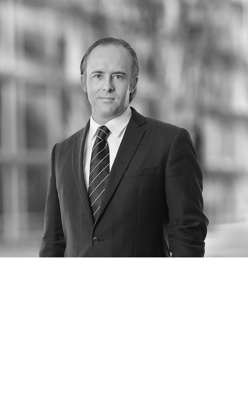 Dr. Viktor Braun