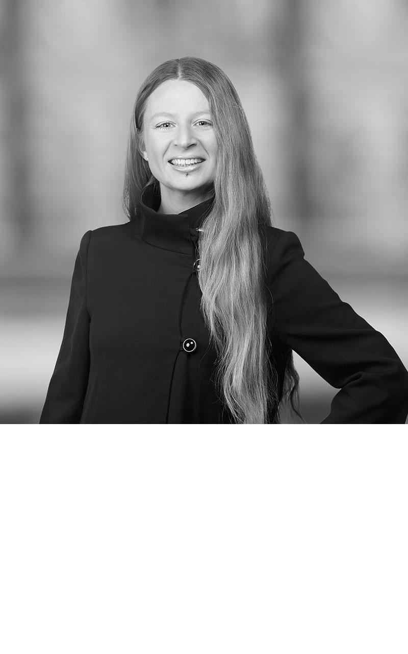 Dr. Bettina Enz